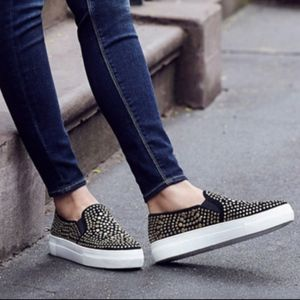 Vince Camuto Kindra  STUD Platform Slip On Sneaker